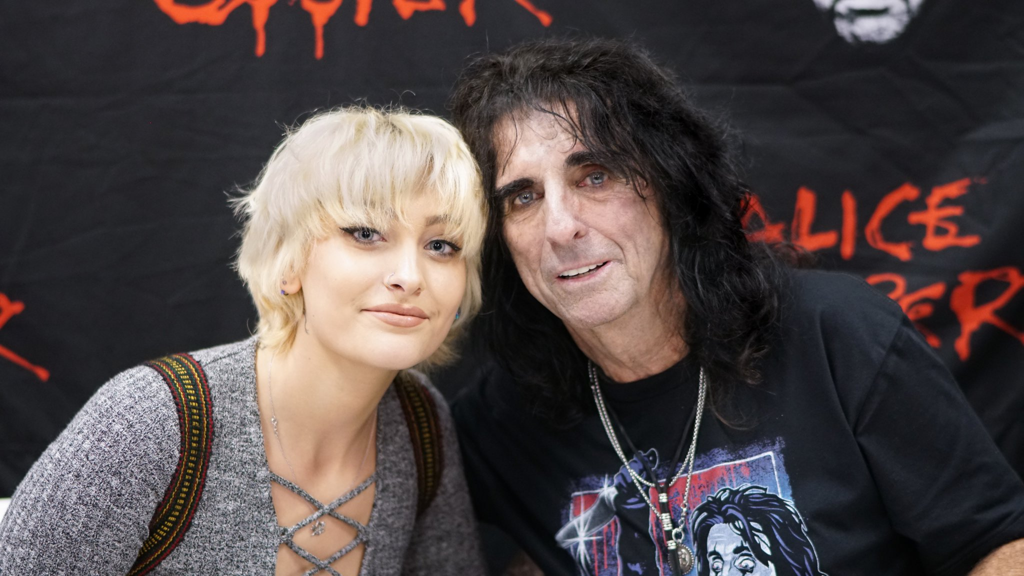 paris jackson and alice cooper meeting backstage in hollywood at alice coopers 2016 halloween concert photo by kyler clark cerealkyler photography