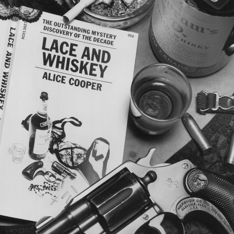 Lace and Whiskey | Alice Cooper